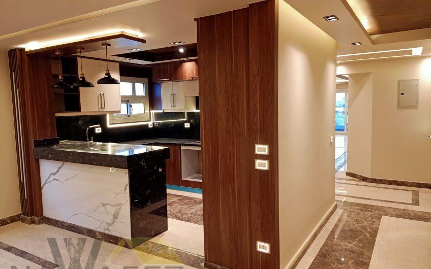 شقة للبيع 220 متر بأميز موقع امام النادى الاهلى عمارة فندقية شارع رئيسى تشطيب 2021 | شوف التشطيب
