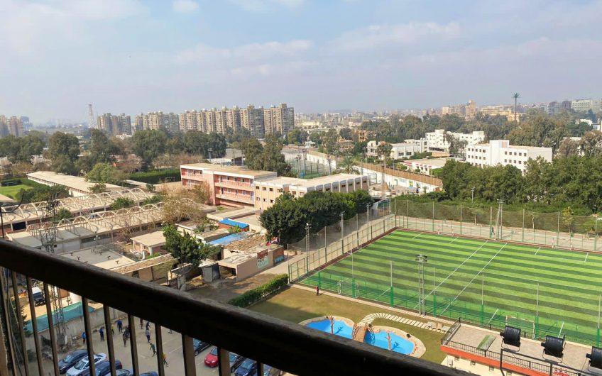 شقة للبيع 165 متر بعمارات العبور فيو رائع على حدائق وحمامات سباحة