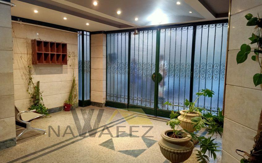 شقة للبيع 220 متر بإطلالة رائعة بالقرب من النادى الاهلى مسجلة ولها حصة جراج على الفرش والسكن