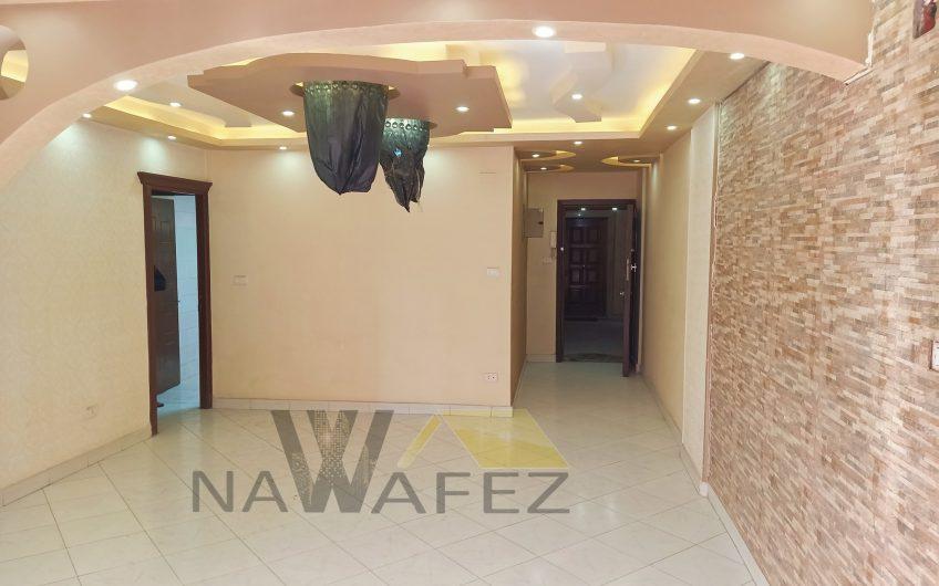 شقة للبيع 135متر موقع رائع امام دار الدفاع الجوى خطوات من سيتى ستارز وشارع النزهة مصر الجديدة