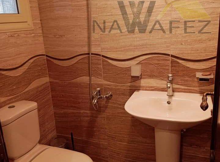 شقة للبيع 360 متر بموقع مميز شارع عباس العقاد الرئيسى