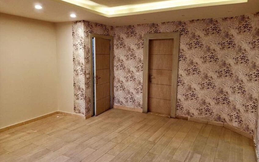 شقة للبيع 230 متر مسجلة شهر عقارى تشطيب حديث عمارة جديدة بحرى بعباس العقاد
