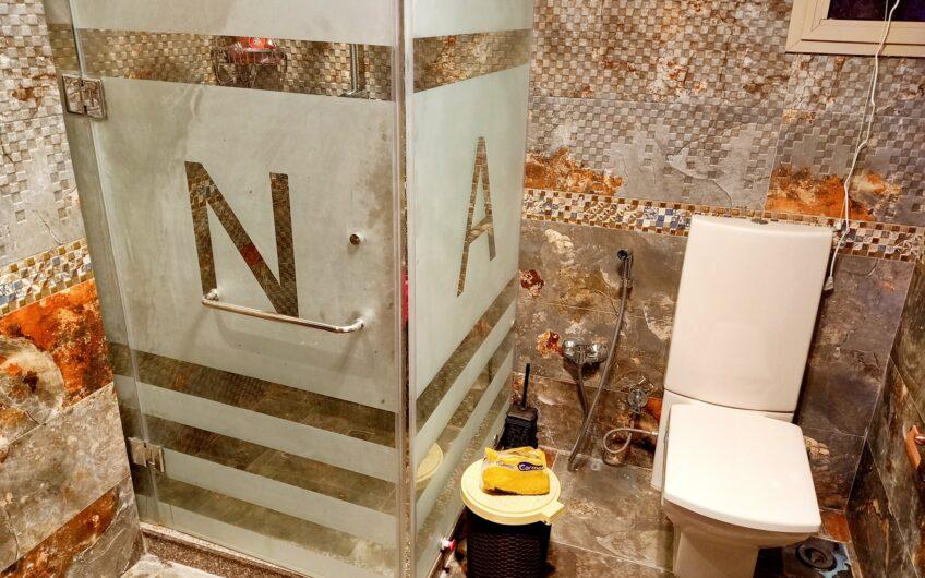 شقة للبيع 125 متر حديثة التشطيب بالمنطقة السادسة مدينة نصر