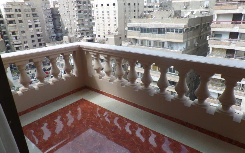شقة  للإيجار بموقع ممتاز  بين عباس العقاد ومكرم عبيد جاهزة على الفرش