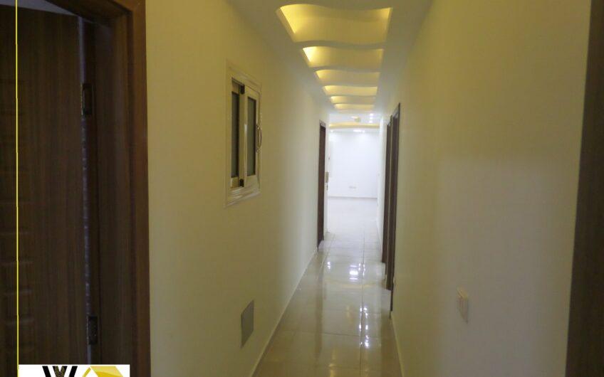 شقة للايجار 230  شارع مصطفى النحاس الرئيسى  رائعة كمقر ادارى تشطيب  اول استخدام