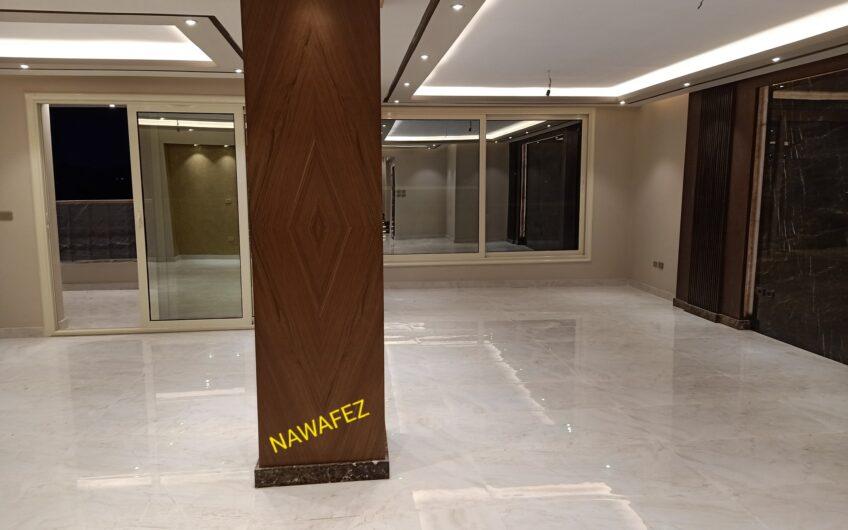 شقة للبيع 300 متر شقة العمر من حيث المساحة والموقع و التشطيب   بالمربع الذهبى مدينة نصر مسجلة