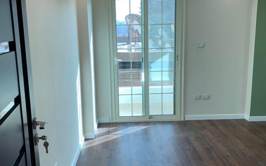 شقة للبيع  250 متر حديثة التشطيب بموقع مميز بمدينة نصر