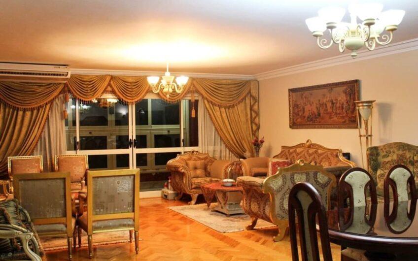 شقة للبيع 220 متر بموقع مميز بحى السفارات مدينة نصر حصة بالجراج