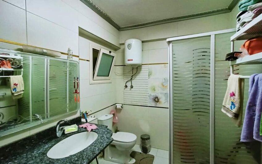 شقة للبيع 200 متر بشارع مميز بالمربع الذهبى بين عباس العقاد ومكرم عبيد