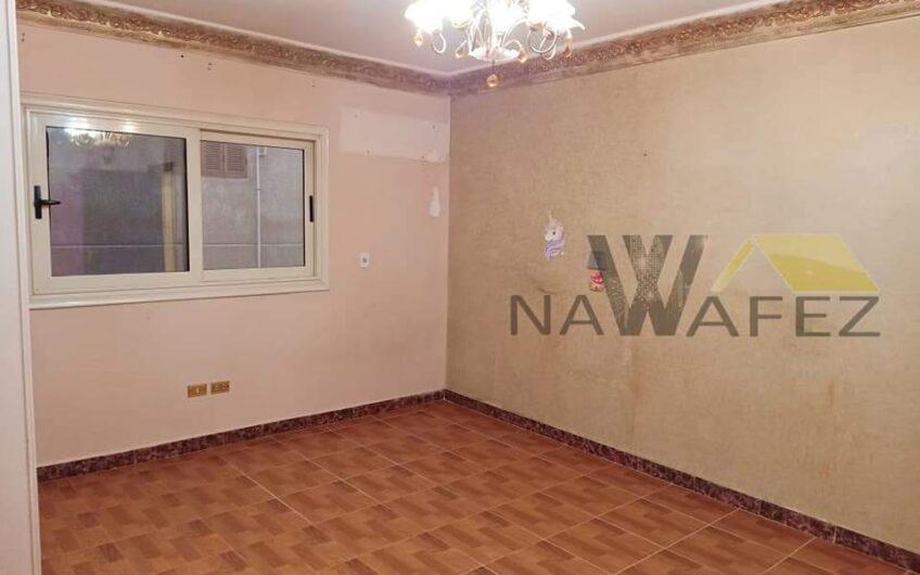 شقة للبيع 200 متر بالمربع الذهبى عمارة حديثة خطوات من مكرم عبيد مدينة نصر