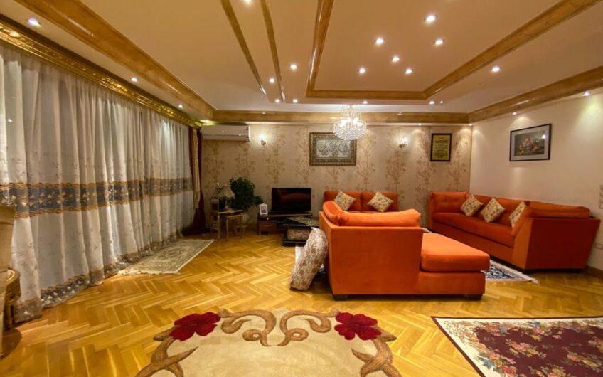شقة للبيع 220 متر بموقع مميز بحى السفارات تشطيب راقى