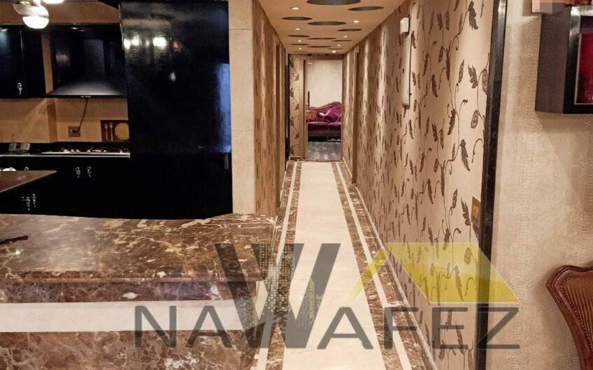 شقة للبيع بالفرش كامل عقد مسجل موقع مميز خطوات من مكرم عبيد