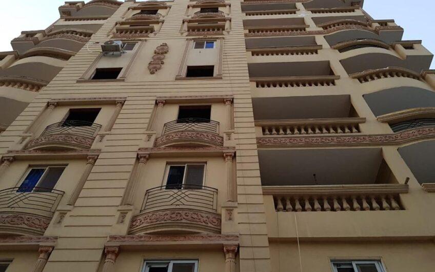 شقة للبيع 200 متر بين امتداد عباس العقاد وامتداد مكرم عبيد خطوات من عباس العقاد