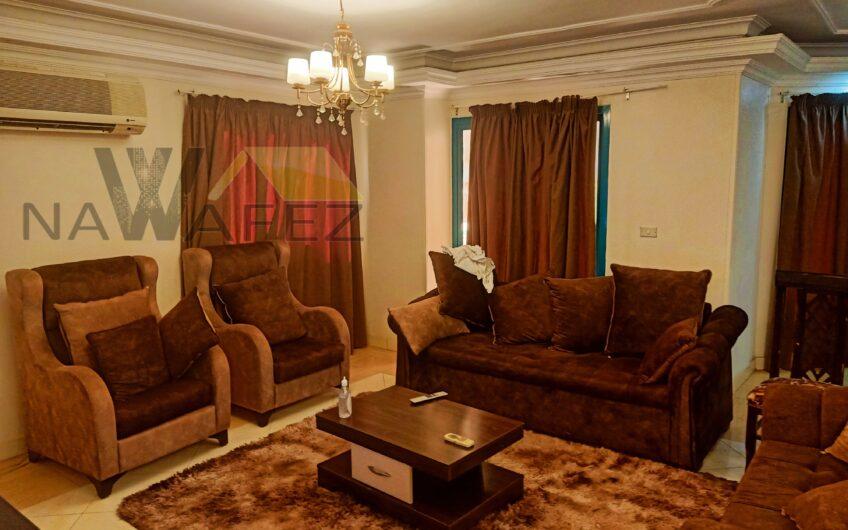شقة للبيع 155 متر بموقع مميز خطوات من احمد فخرى وحديقة الورد
